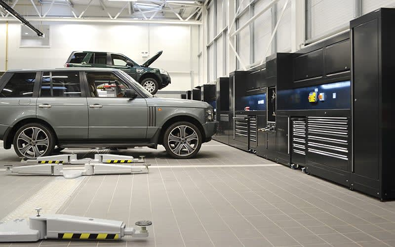 Land Rover  integrated workshop by dura