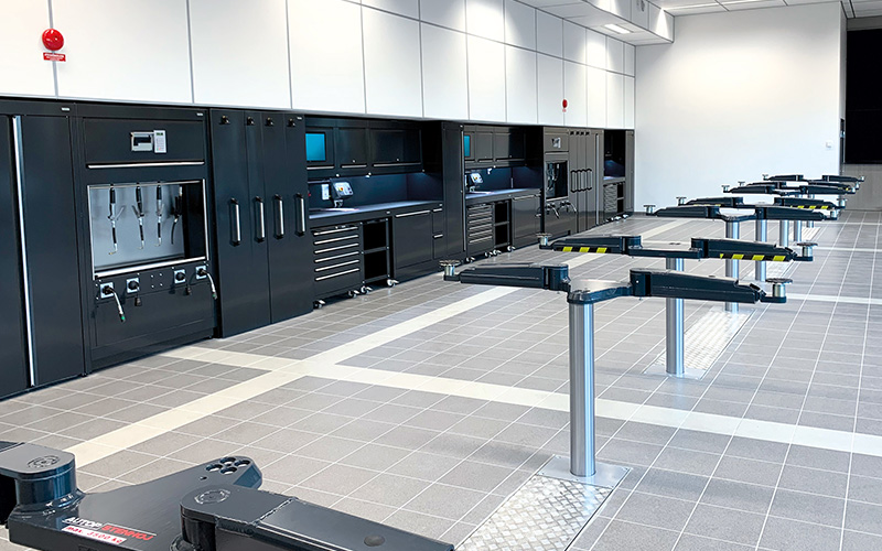 Dura Ltd Workshop Installation of Jaguar Land Rover Halmstad