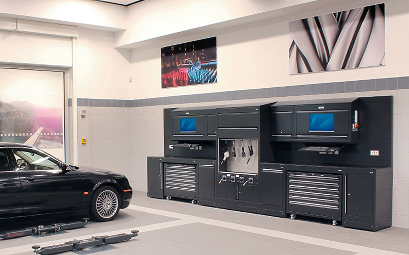 Dura Ltd Workshop Installation of Jaguar Land Rover Munich