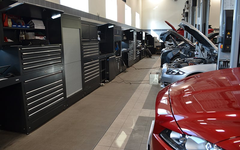 Jaguar Land Rover Workshop Swindon by Dura Ltd